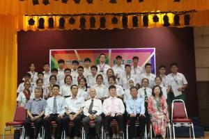 韩中奖励优秀学生9