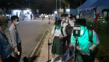韩中四月迎入学生上实体课 异国学生再度背井离乡回来上课